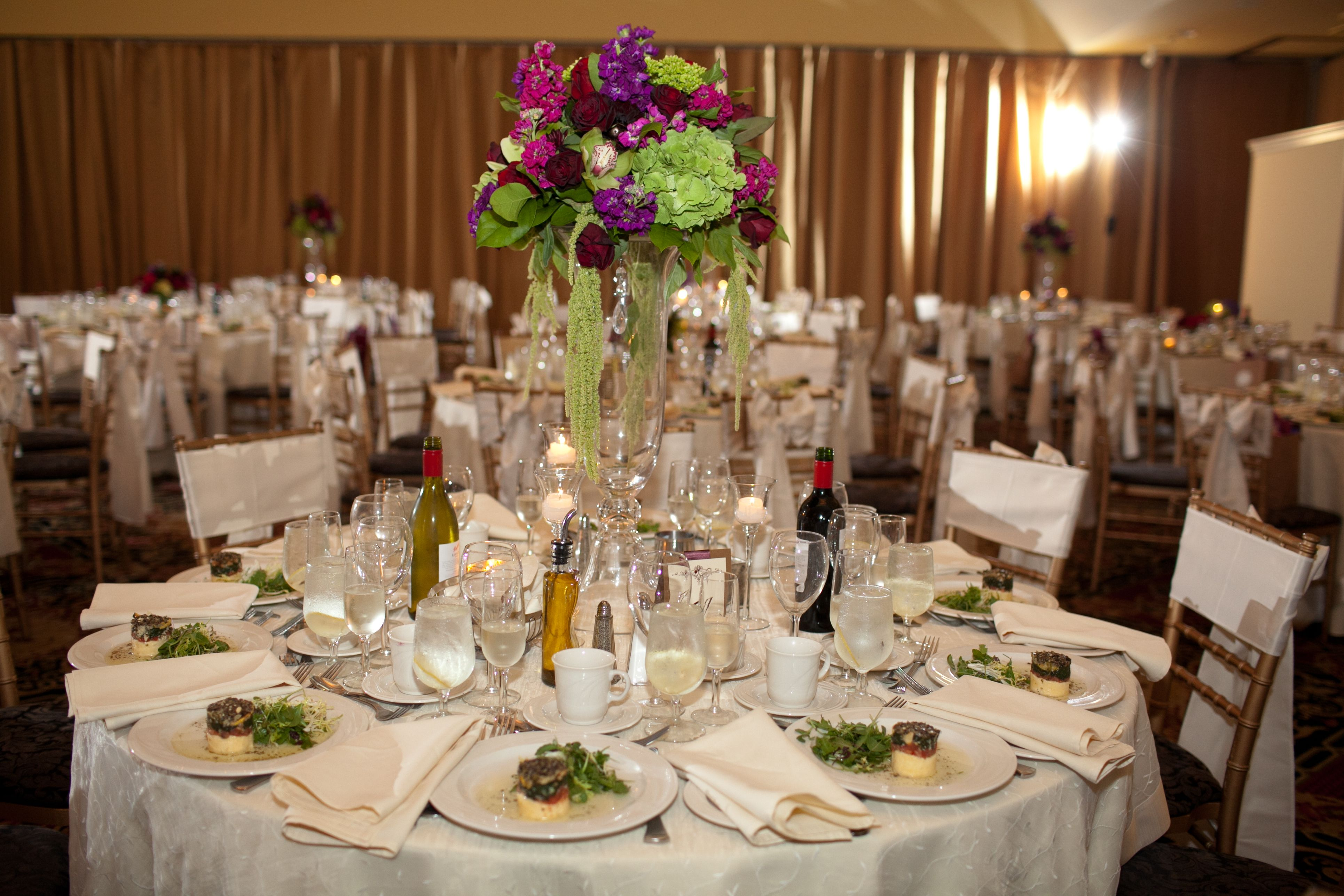 love these bows on the chairs! Photo by Victoria Souza #thewaterview
