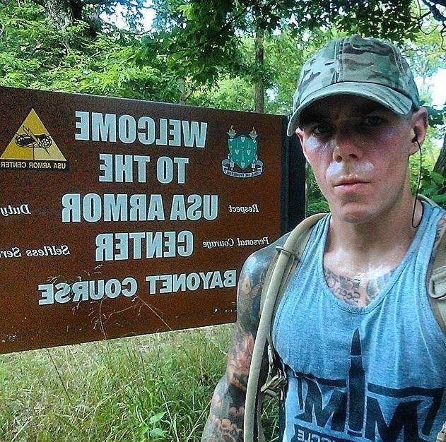#SupportMilitaryMuscle   @johnnyhate SFC US ARMY fan photo of the day!! All theway from fort Knox!!!