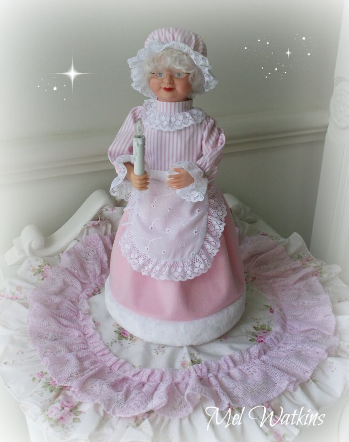 One of a kind Pink Mrs claus battery operated <3 <3