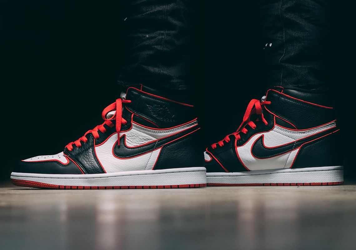 Discrepancia Regulación Desventaja  The Air Jordan 1 Bloodline Releases Tomorrow | Air jordans, Air jordans  retro, Jordan 1 retro high