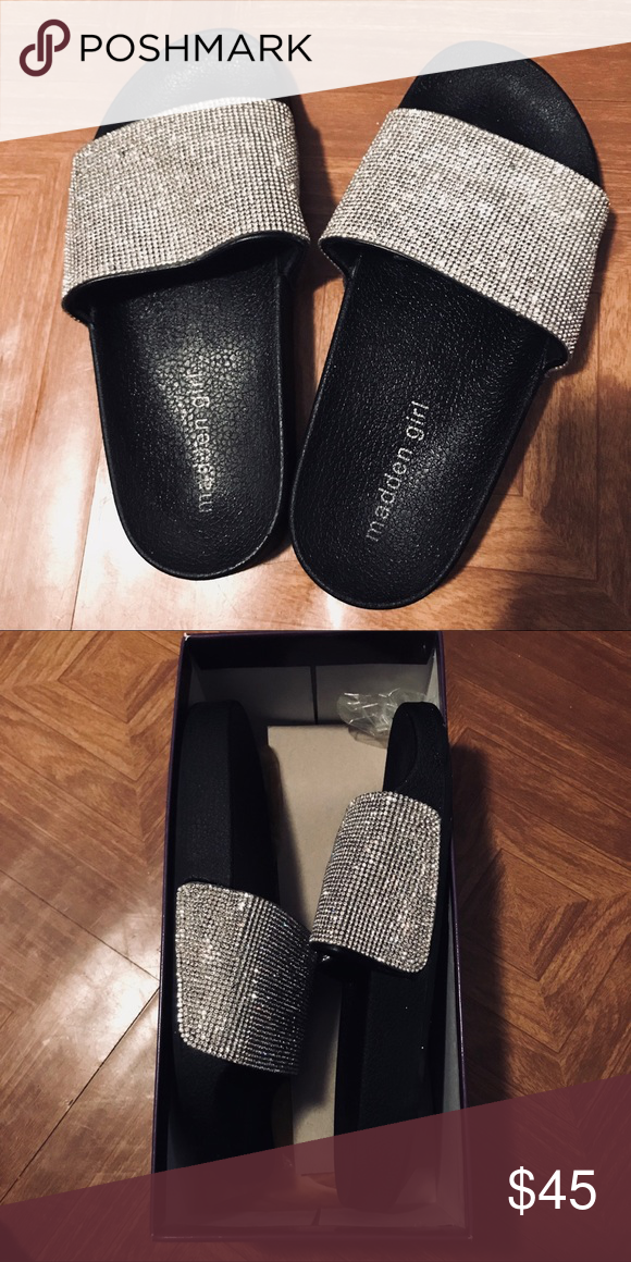 e860aecb8f1 Steve Madden fancy slides Only worn twice! Almost brand new condition. No  flaws. Madden girl. Size 6.5 in women s. With Box! •fast shipping •smoke  free  pet ...