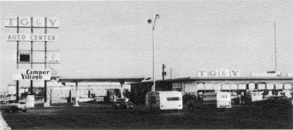 Tg Y Auto Center At 74th And Penn In The Late 70 S It Was On The Far East End Of The Parking Lot Over By Where The Wendys Oklahoma History Oklahoma Pictures