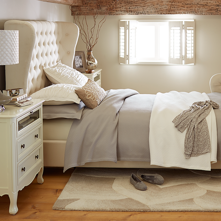 Tully Ivory Queen Bed Bedroom vintage, Home bedroom