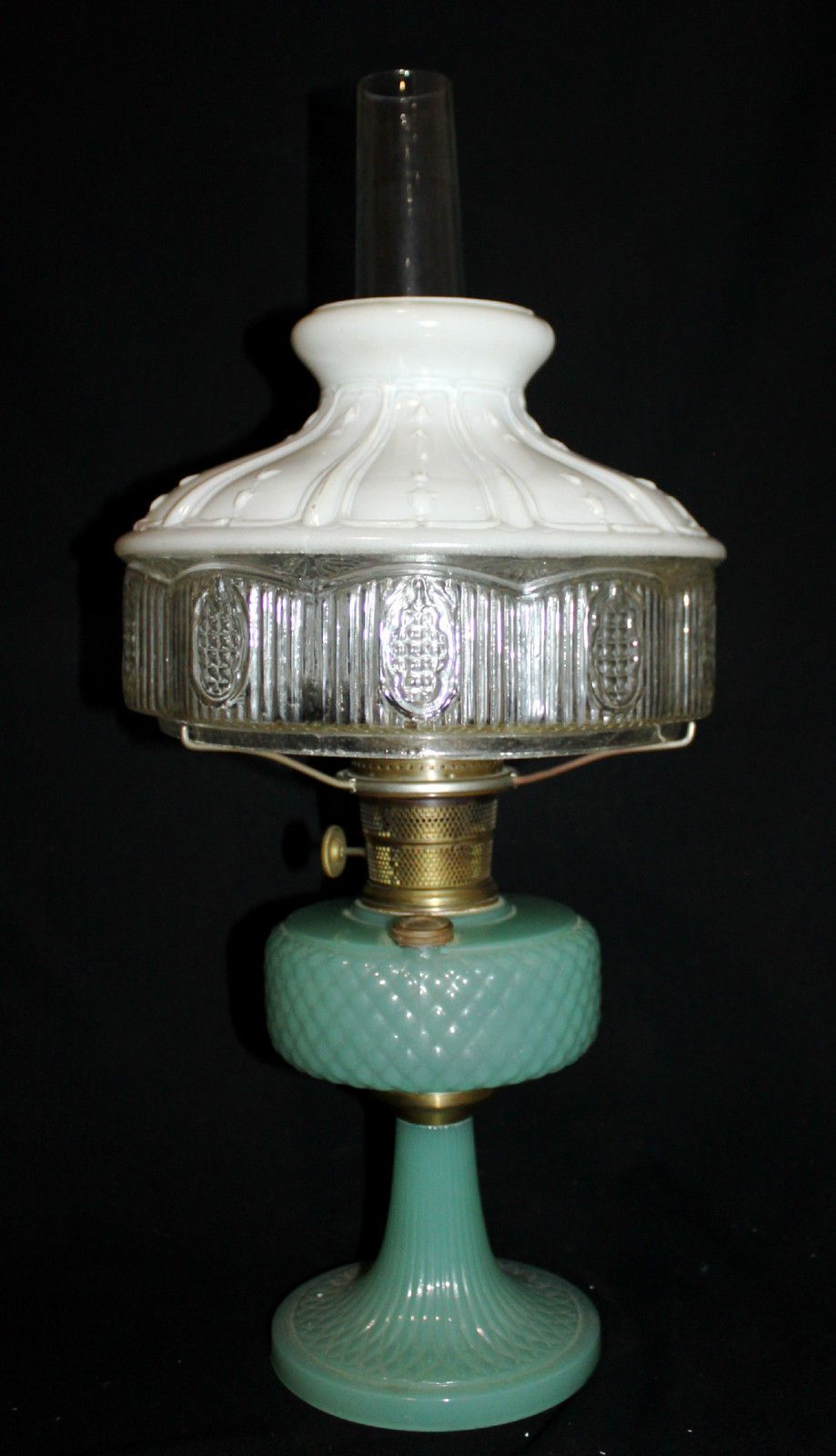 Antique Aladdin Green Moonstone Quilt Kerosene Lamp Model