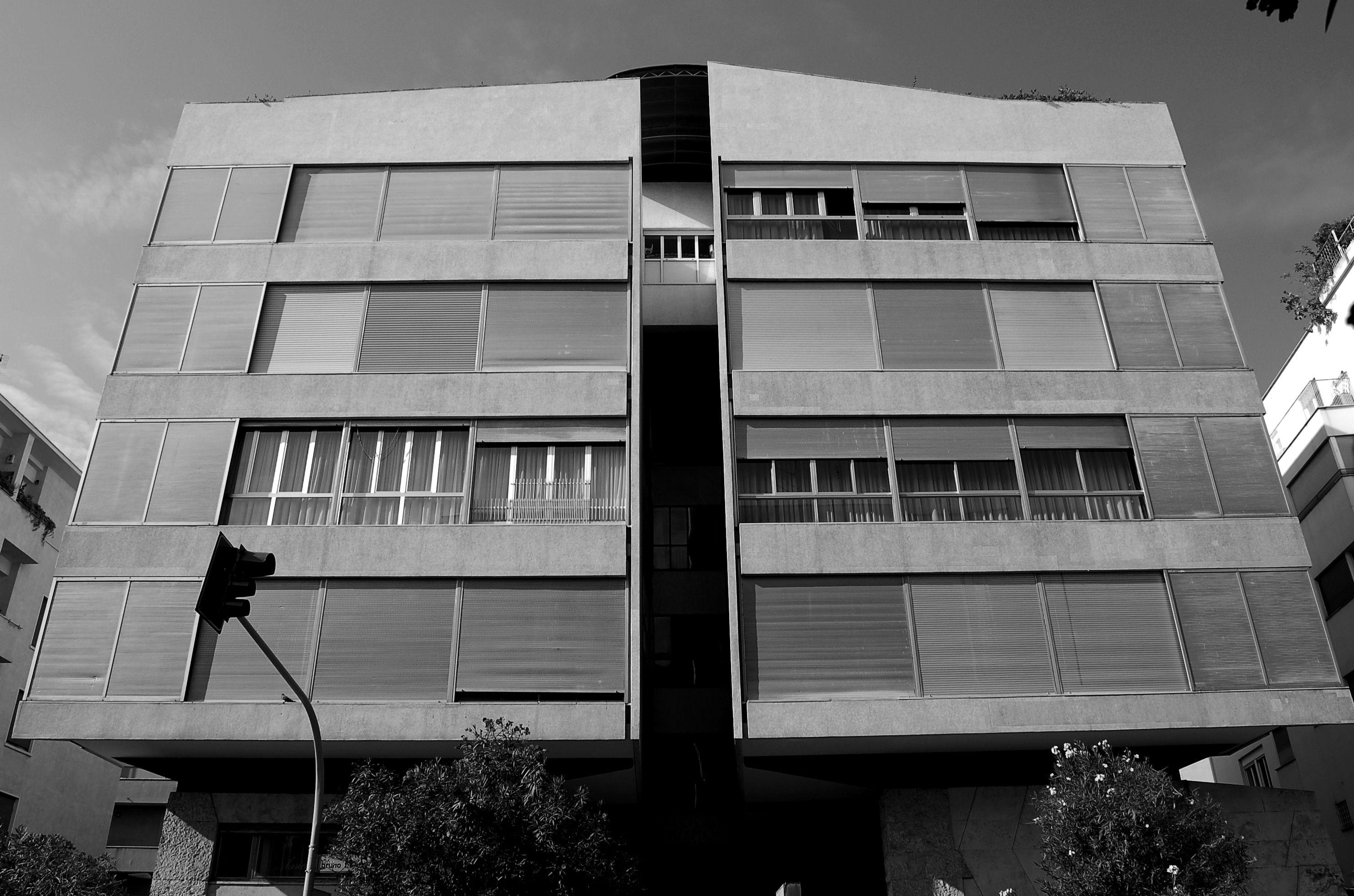 Luigi moretti casa girasole design luigi for Casa design roma
