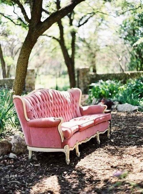 ►Mi sofá favorita en el jardín‼