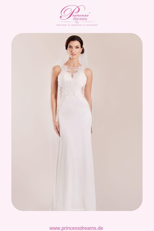 Ein schmales Brautkleid schlicht mit Spitze von Lilly Brautkleider