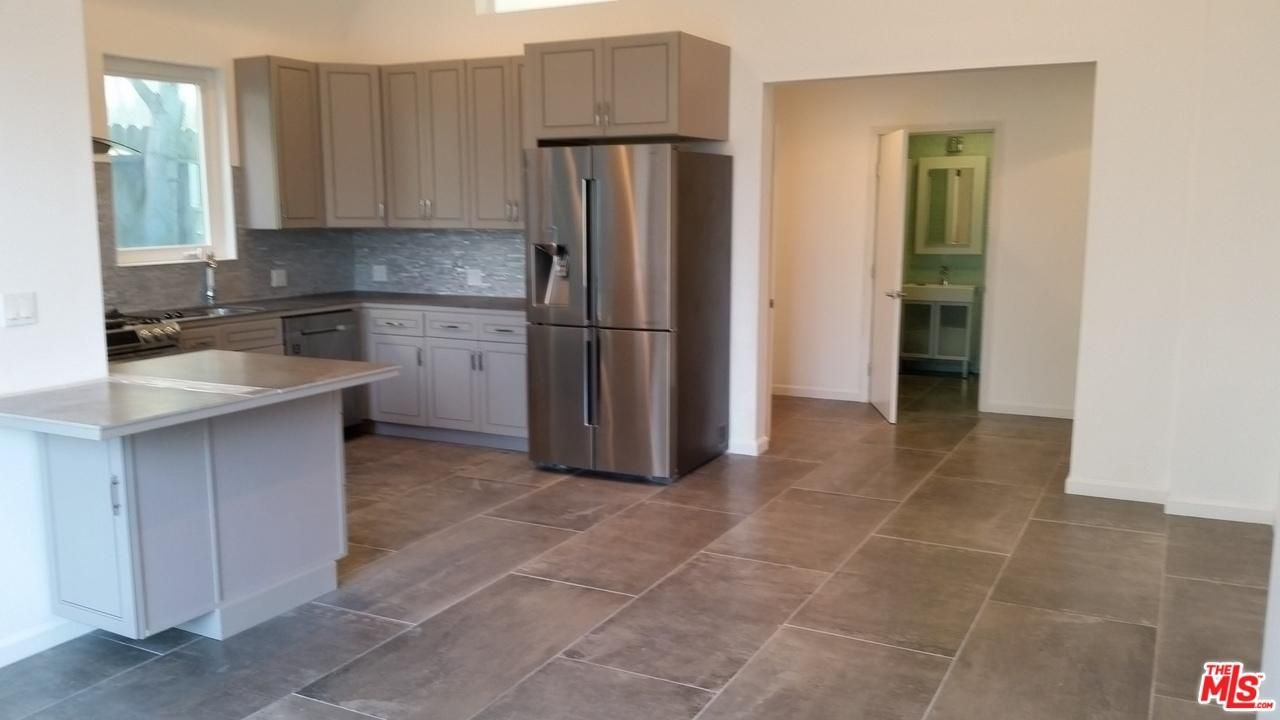 High Ceilings Recessed Lighting All New Euro Kitchen W Top Liances Breakfast