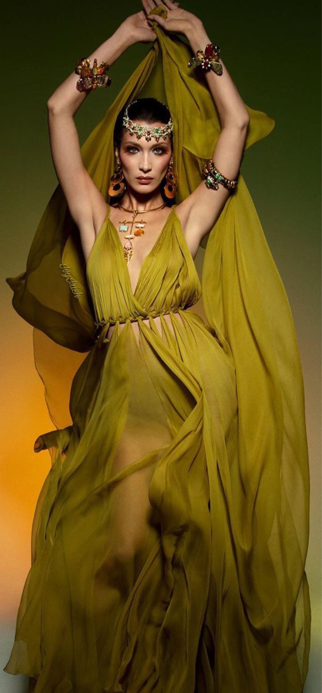 #dior #bellahadid #vogueparis #2020 #fashion