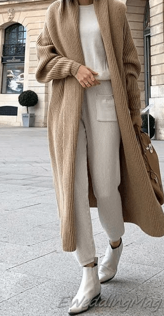 28 Modest Women Streetstyle This Winter #eweddingmag #WomenFashionIdeas #womenstreetstyleoutf…
