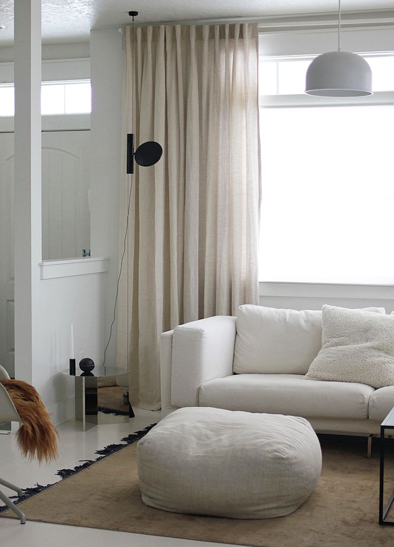 Los textiles en un salón minimalista   Ideas for the House ...