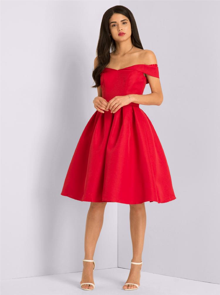 Červené šaty se spadlými rameny Chi Chi London Jade  f9b434690c8