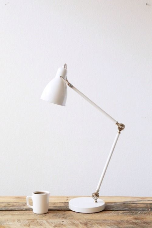 minimalist workroom  http://uptostyle.hu/dolgozosarok-a-szobadba/