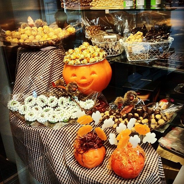 Ya es halloween en Takashi Ochiai  #takashiochiai #ochiai #halloween #escaparate #calabaza #pumkin #terror