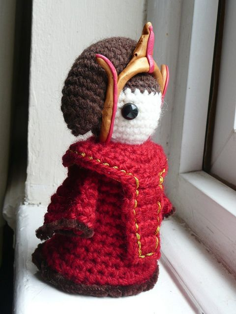 Crochet Queen Padme Amidala. Made this, but crocheted the headdress ...