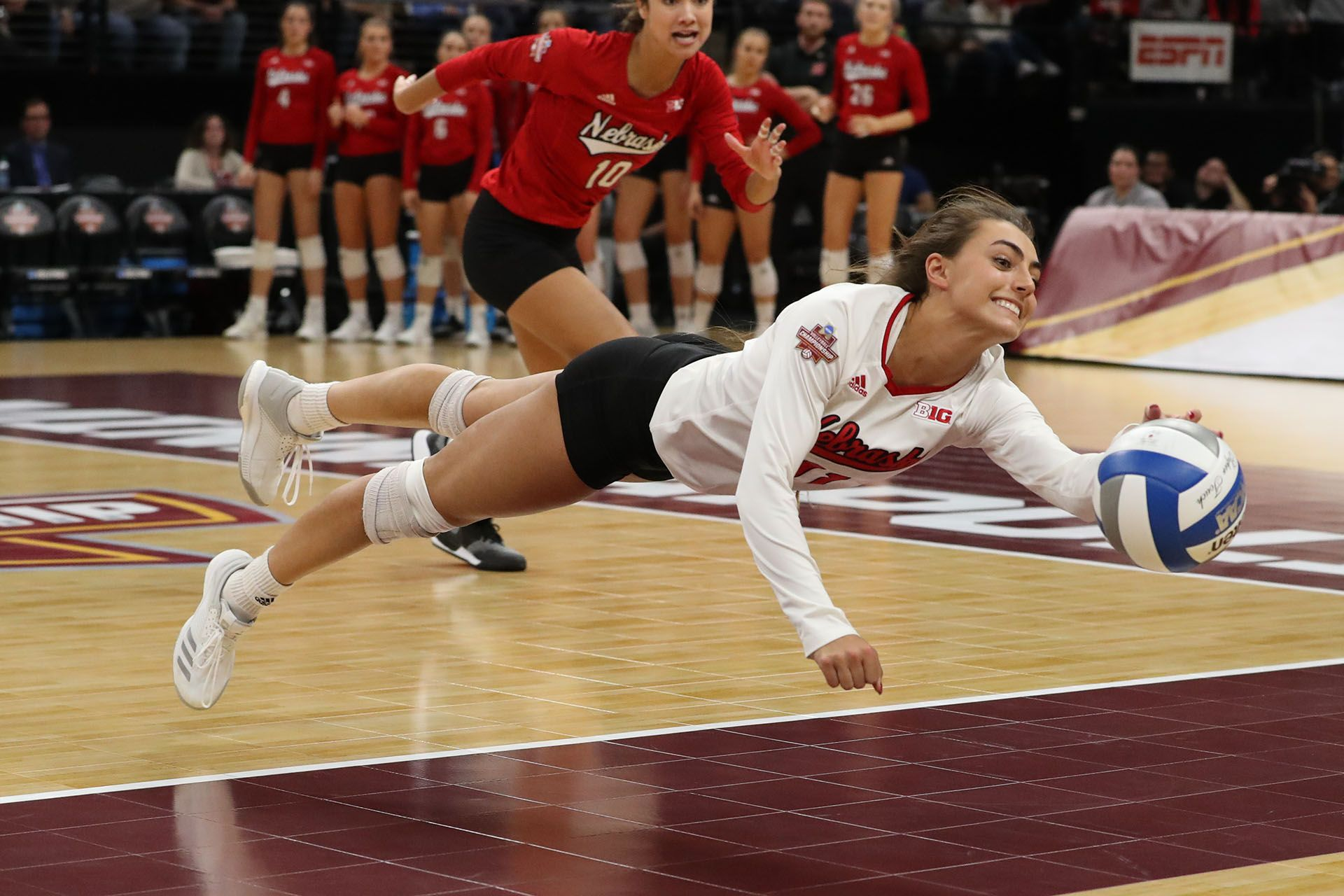 Ncaa Minneapolis Photo Gallery Featuring Stanford Byu Illinois And Nebraska And The Work Of E Volleyball Photography Volleyball Pictures Volleyball Workouts