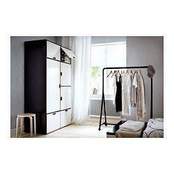 Stunning IKEA ODDA Kleiderschrank Die unteren Schubladen sind durch Rollen leicht beweglich