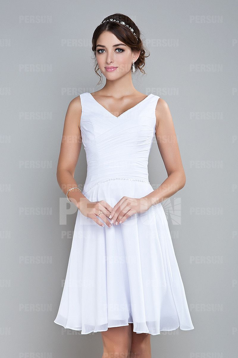 Robe blanche pour cocktail