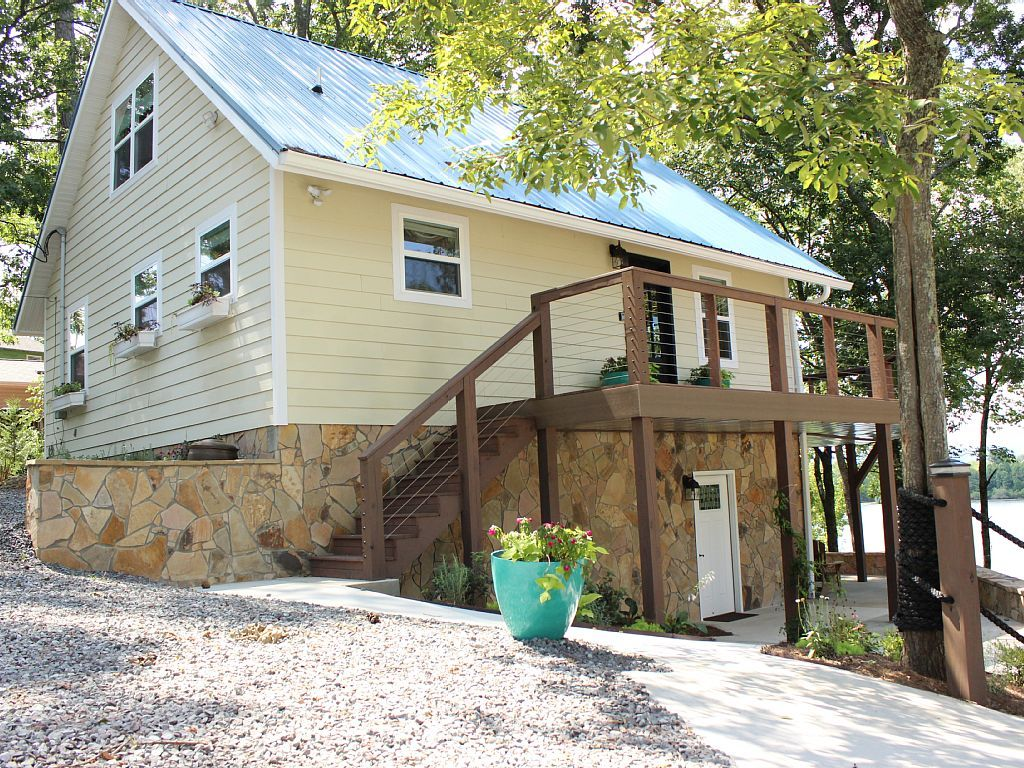 House vacation rental in Chickamauga Lake, Tennessee, USA from VRBO.com! #vacation #rental #travel #vrbo