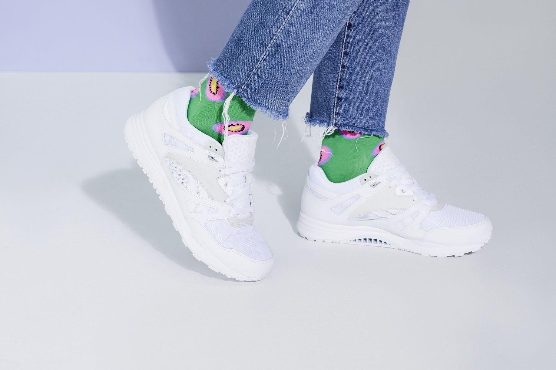 Moda Meska Stylizacje Sneakersy Biale Buty Skarpetki We Wzory Moda Online Top Sneakers High Top Sneakers Sneakers