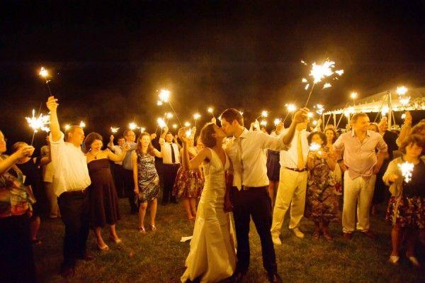 Wedding-Sparkler-Sendoff