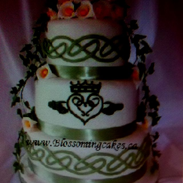 Celtic Wedding Cake Www.blossomingcakes.ca