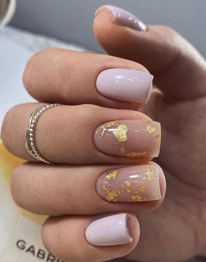 70 Beautiful Natural Short Square Nails Design For Winter Nails Spring Nails 2020 In 2020 Pretty Acrylic Nails Square Nail Designs Gold Nails