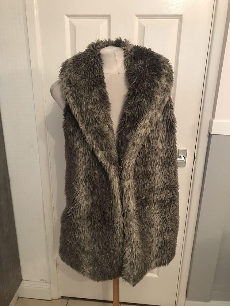 43caa213fca38 Ladies Grey Faux Fur Dressy Look Gilet Jacket Size 16 New Look  fashion   clothing  shoes  accessories  womensclothing  coatsjacketsvests (ebay link)
