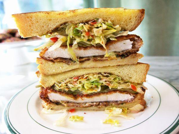 The Ultimate En Schnitzel Sandwich