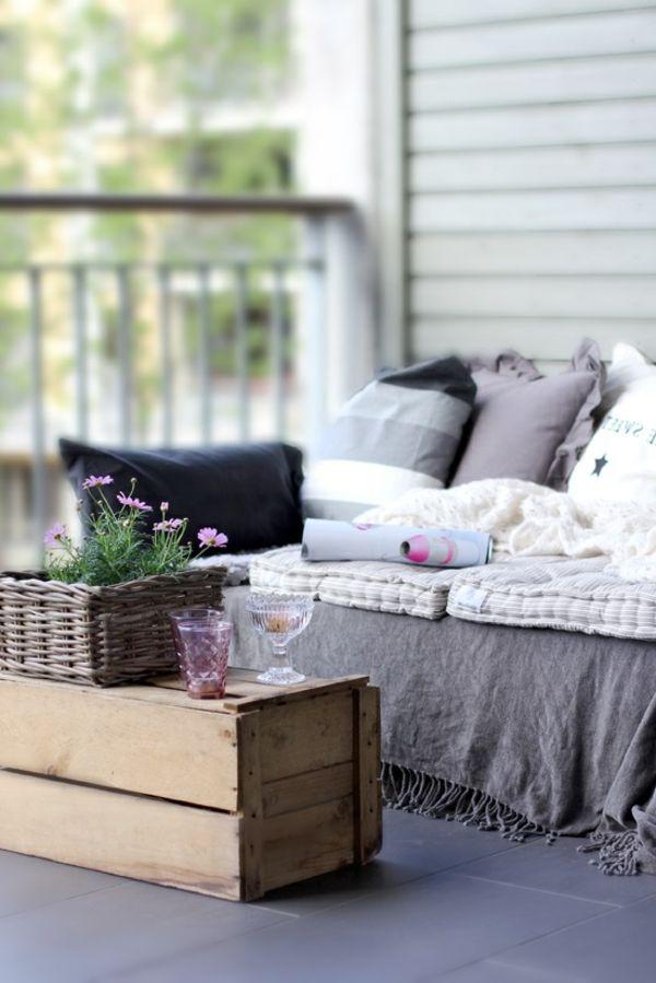 möbel selber bauen tisch balkon europaletten | Balkon | Pinterest