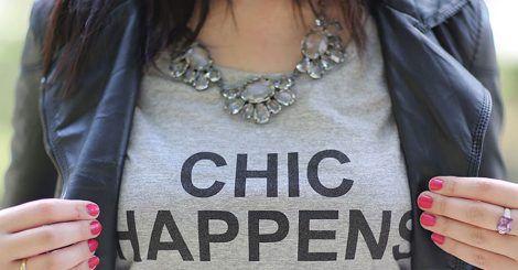 """Tee-shirt """" chic happens"""""""