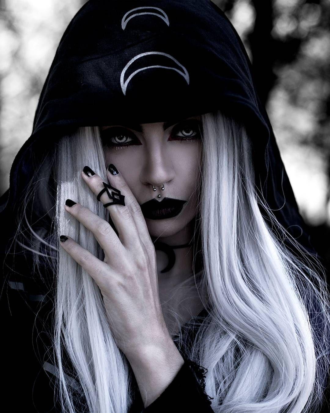 тем, как картинки про красивых белых ведьм вас группа