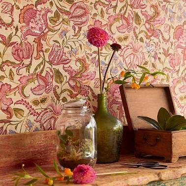 Цветы вдохновляют на создание цветочных обоев.