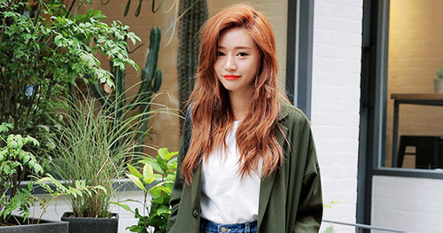 Know the latest and the hottest Korean fashion! You can find all types of Korean clothing here from tops, bottoms, dresses, outerwear and bikinis!
