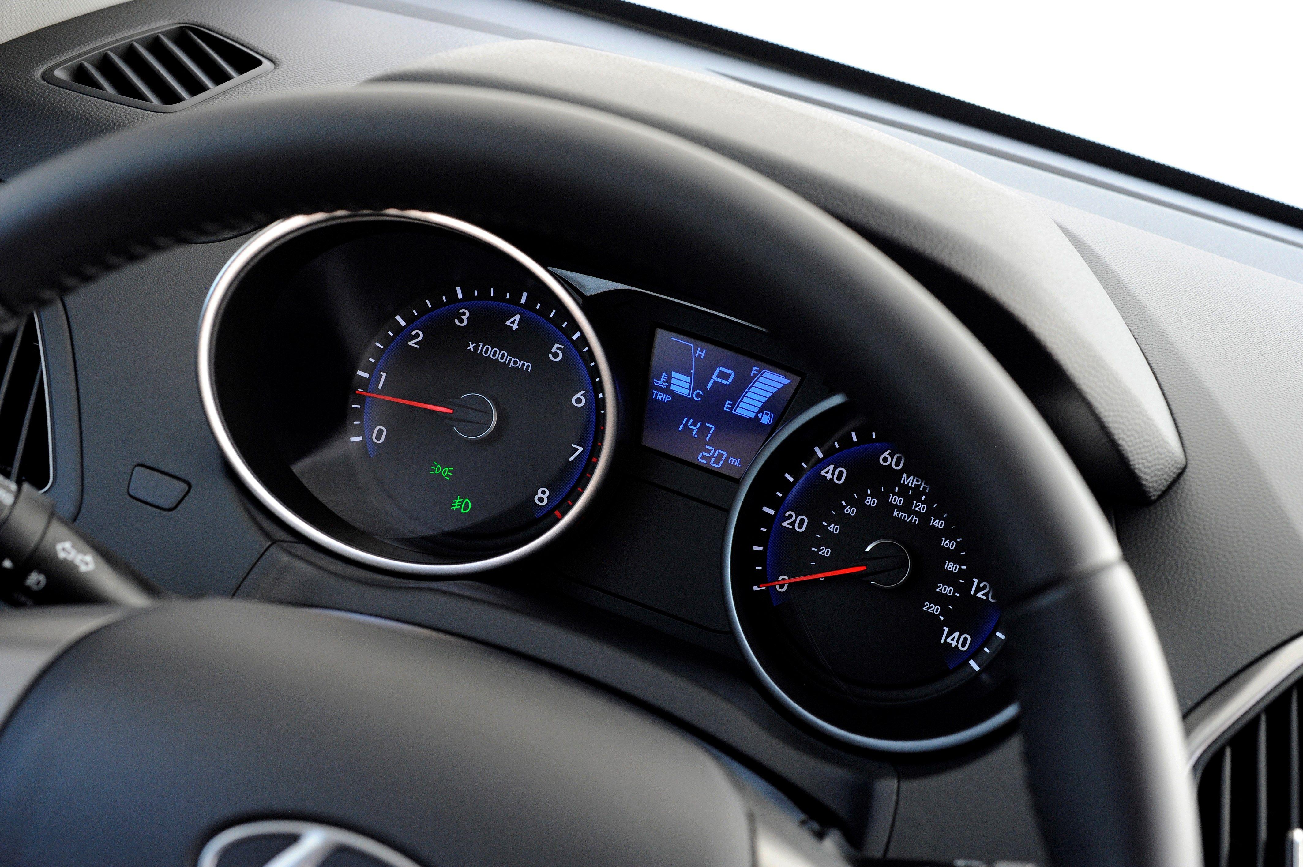 2014 hyundai tucson driver seat instrument display