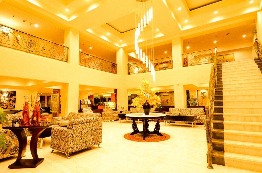 Atrium Hotel Hotel, Bintang