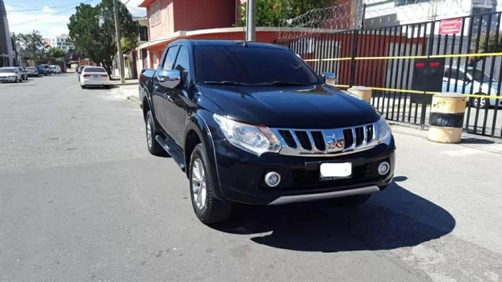 Pick Up Mitsubishi L200 Sportero Modelo 2017 Motor 2 5 Venta De Carros En Guatemala Mitsubishi L200 Motores Ciudad De Guatemala