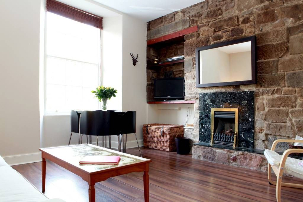 Dec 13, 2018 - Entire home/apt for $101. This fantastic apartment is situated right in the heart of Edinburgh's historic Old Town Grassmarket and boasts a dramatic beautiful view of Edinbu...