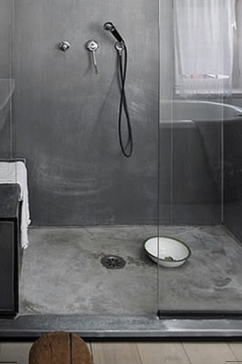 alternativa piatto doccia con rivestimento in microcemento come il pavimento  VeB bagno