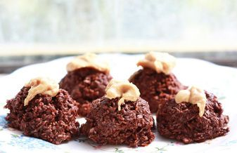 Raw Chocolate Macaroons