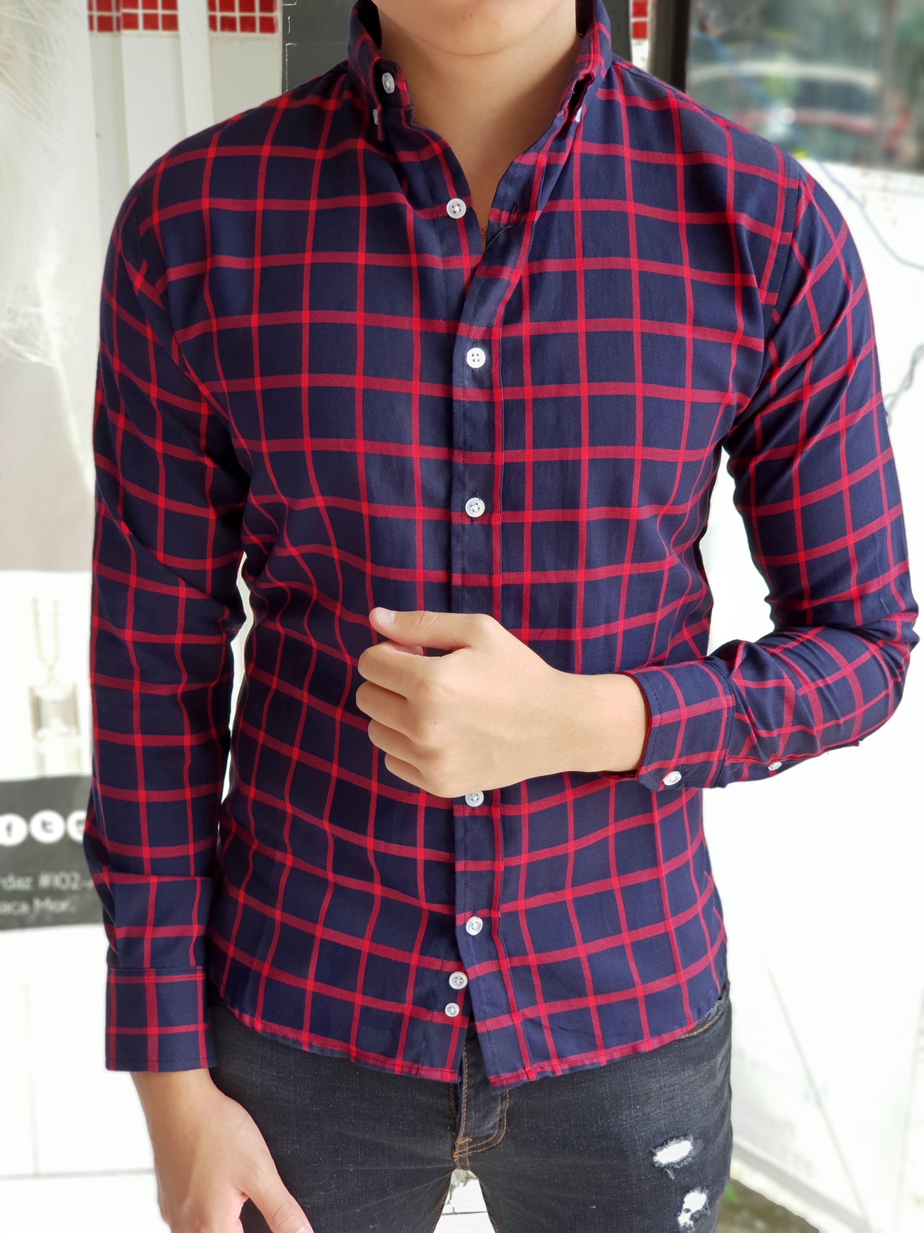 Outfit para hombre  camisa marino con cuadros rojos en manga larga y jeans  de mezclilla  385589fbb99d1