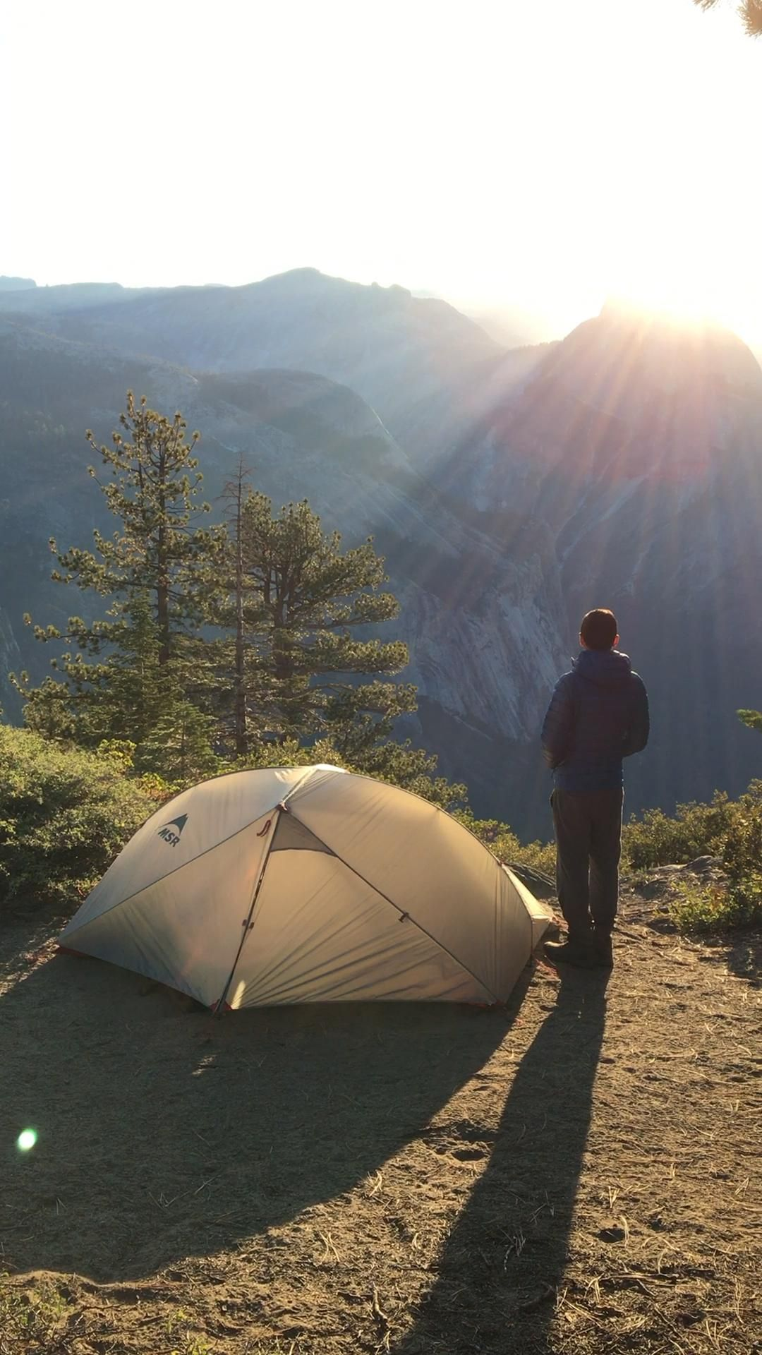 In our post we review 3 of our favorite light and ultralight backpacking tents.