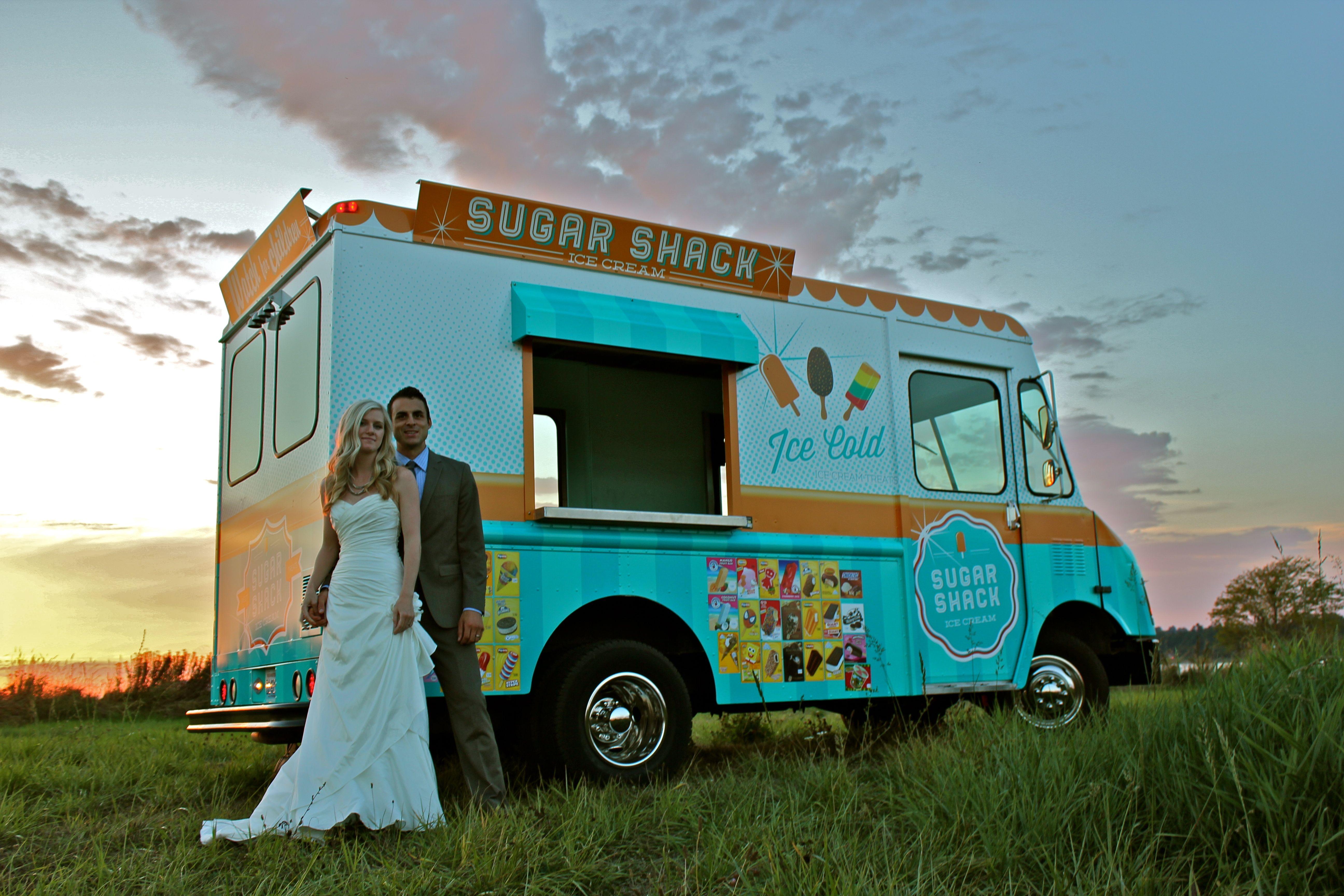 Ice cream truck food truck at wedding couple photos ice