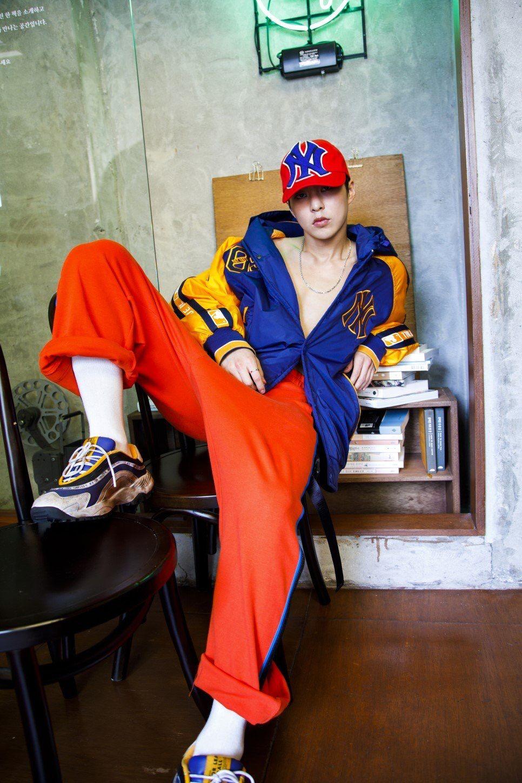 Xiumin Hq For Mlb Korea Exo Kim Minseok Sehun Baekhyun Chanyeol