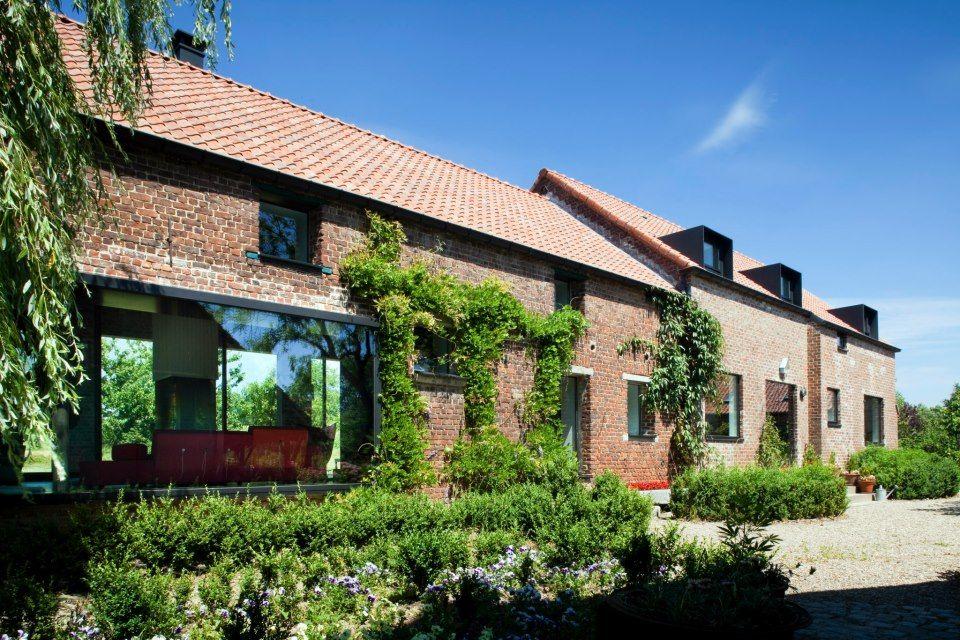 Moderne dakkapel architectenwoning be uitzonderlijk gerenoveerde