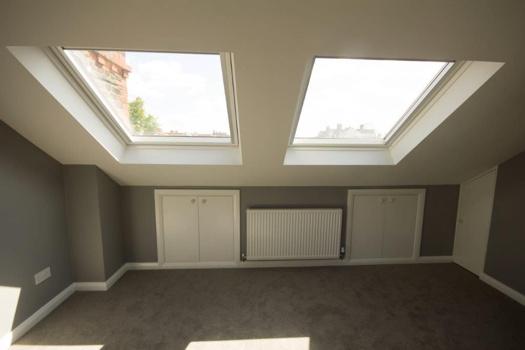 Loft space storage ideas under eaves making the most of for Eaves bedroom ideas