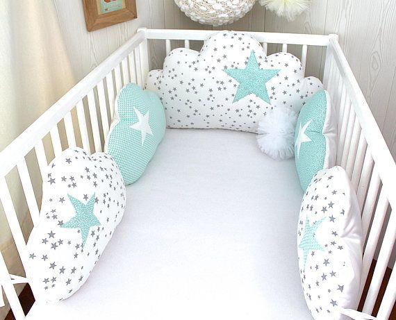 un tour de lit en forme de nuage pour faire de doux r ves avec 5 coussins nuages convient pour. Black Bedroom Furniture Sets. Home Design Ideas