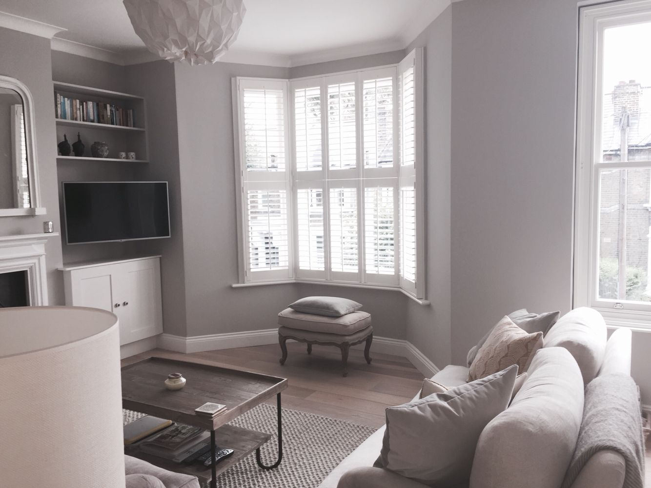 White Wall Living Room Sitting Room Farrow And Ball Cornforth White Walls Loaf