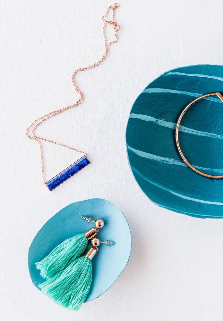 Paper Mache Jewelry Dish Diy With Brittni Of Paper And Stitch Paper Mache Diy Diy Jewellery Dish Accessories Diy