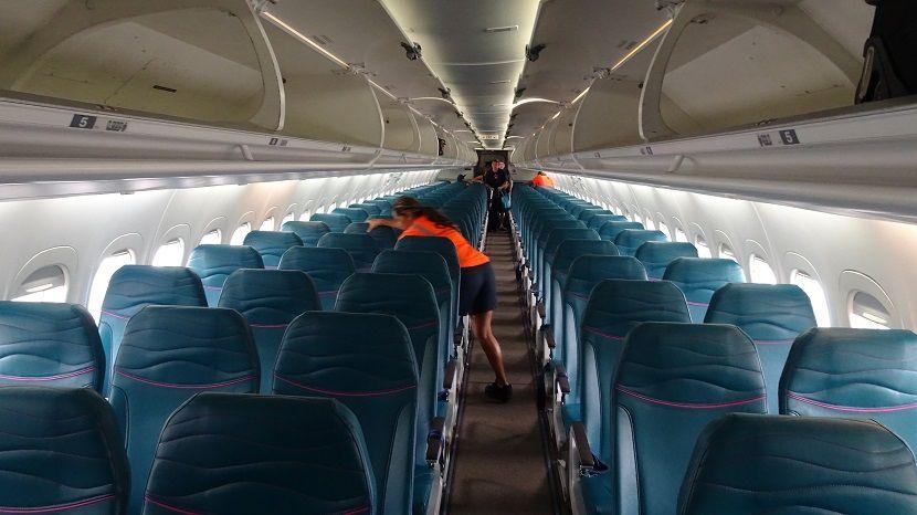Hawaiian Airlines Fleet Boeing 717 200 Details And Pictures Airlinesfleet Com Hawaiian Airlines Cabin Interior Boeing